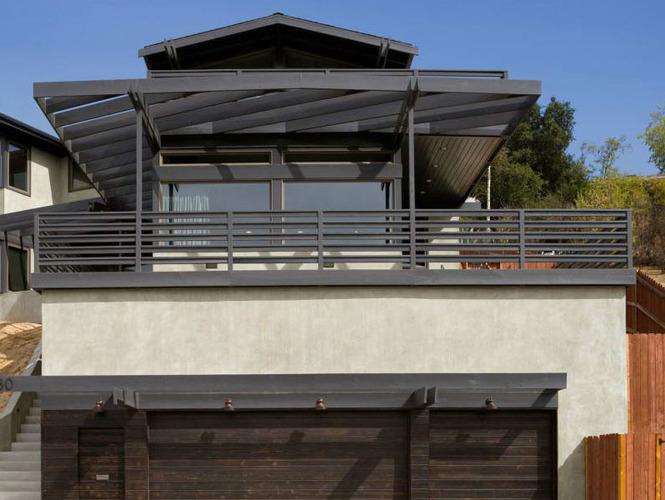 Ограждения террас и балконов: примеры.